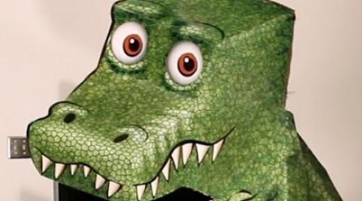 どこから見ても目があってしまう恐竜の錯覚の仕掛けがスゴい!